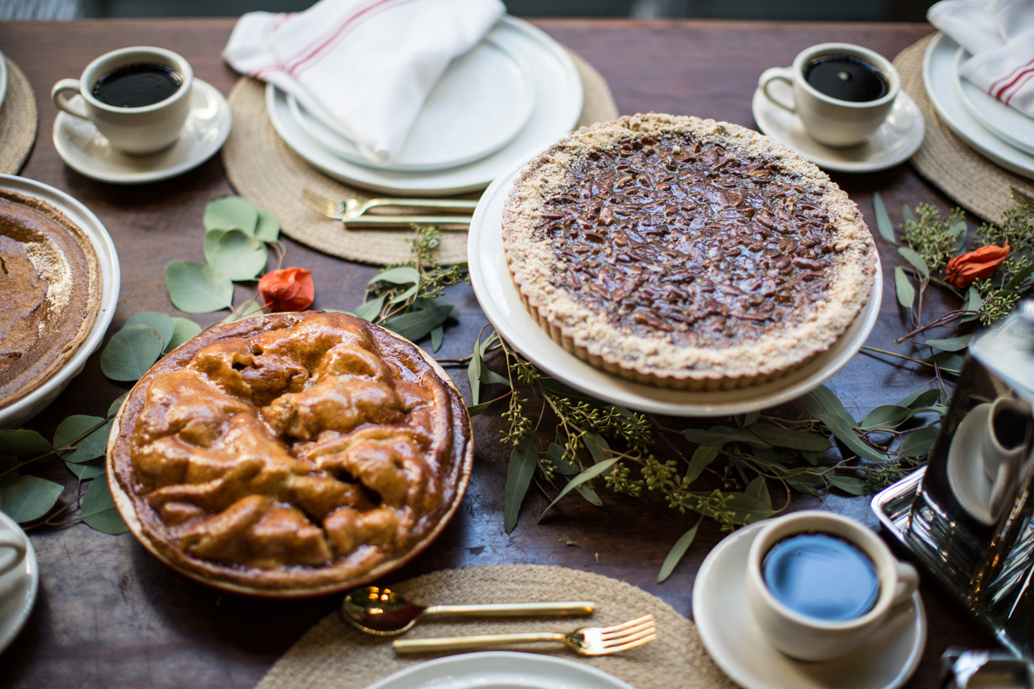 MANGIA'S THANKSGIVING MENU AND PIES