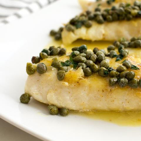 Summer low carb lunch: white fish with lemon sauce